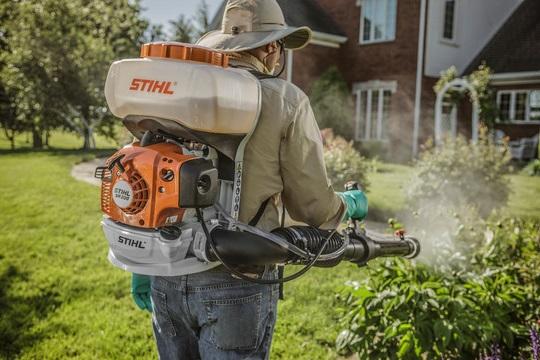 Diệt sâu bọ bằng máy phun thuốc Stihl SR200 chính hãng